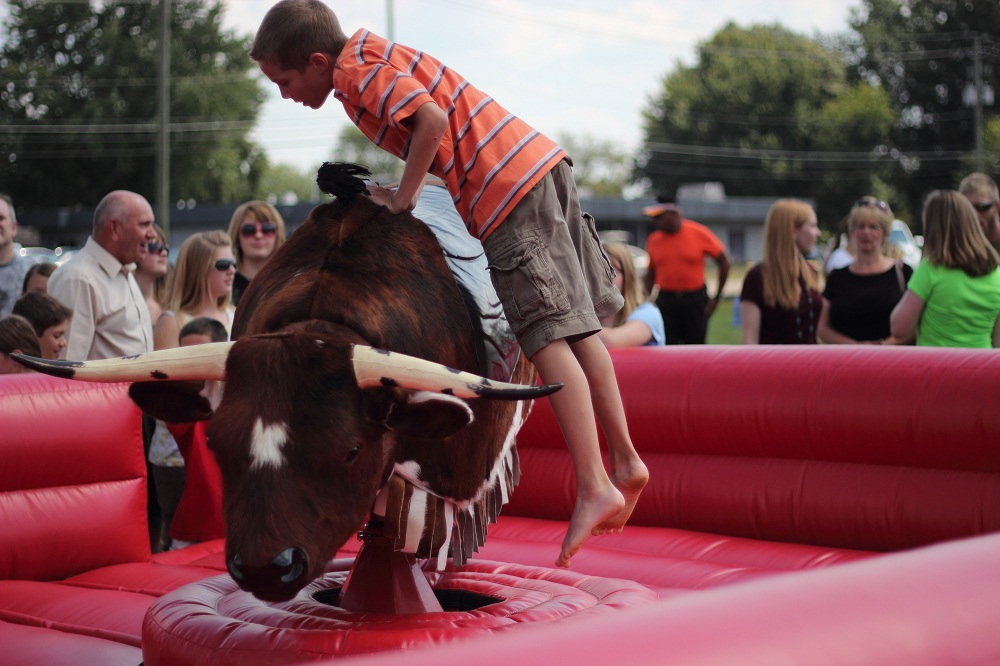 Bull 1000px Inflatables Amp Party Rentals Akron Canton